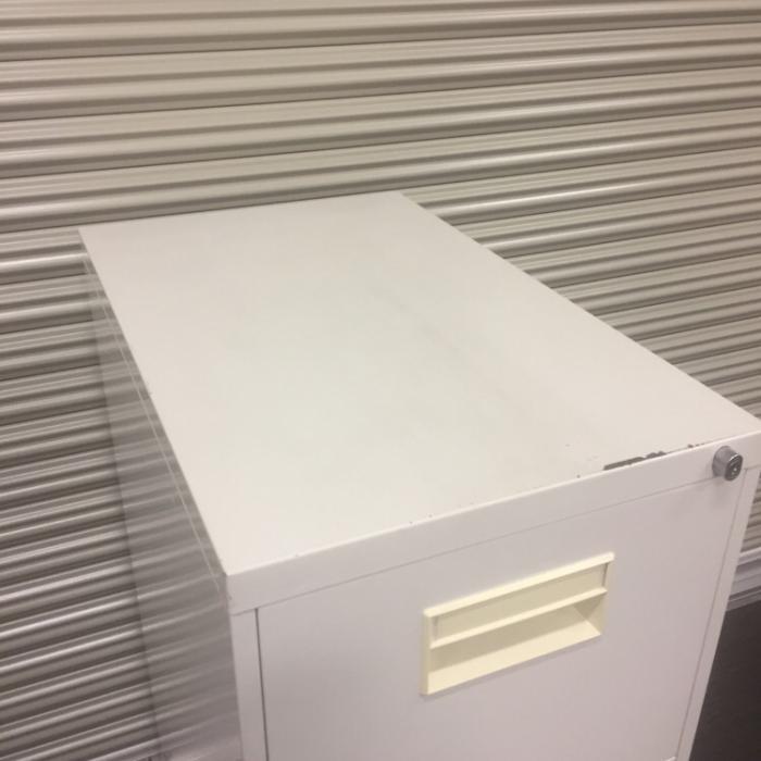 ... 中古】3段ファイルキャビネット A4収納 ホワイト ...